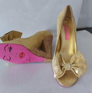 Shoes Betsy Johnson, Size 8
